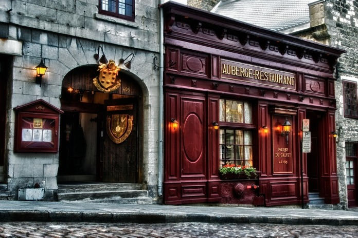 Auberge_restaurant_-_montreal_08-31-01