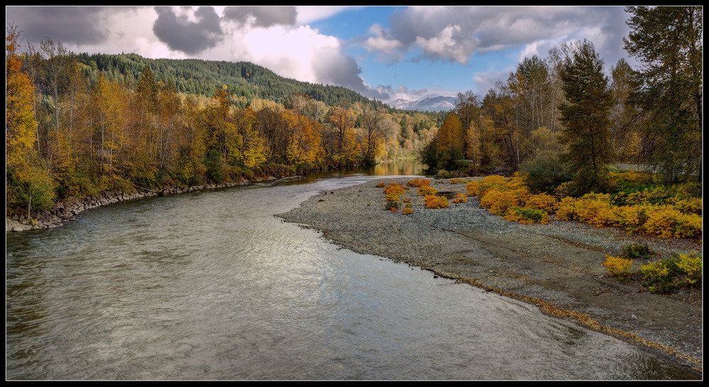 Snoqualmie_river_fall