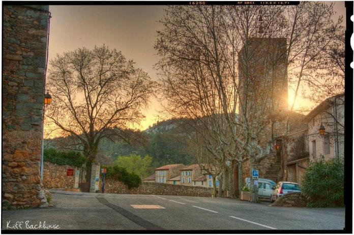 Early_morning_sunrise_over_chu